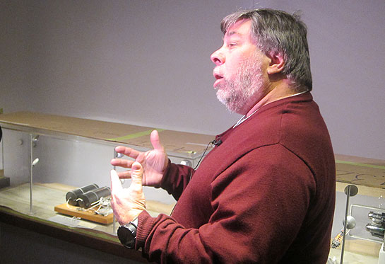 Steve Wozniak with George Stibitz's one-bit computer from 1936
